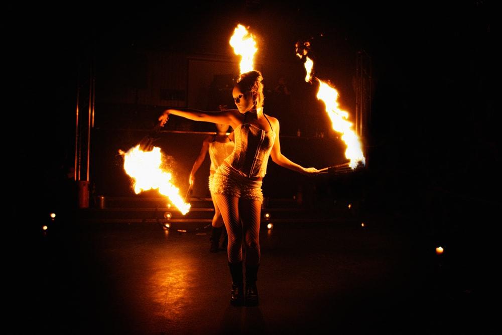 Feuer Show buchen